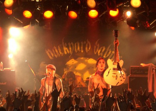 Backyard Babies performing in Tokyo, Nov 2008. Photo: Stefan NIlsson