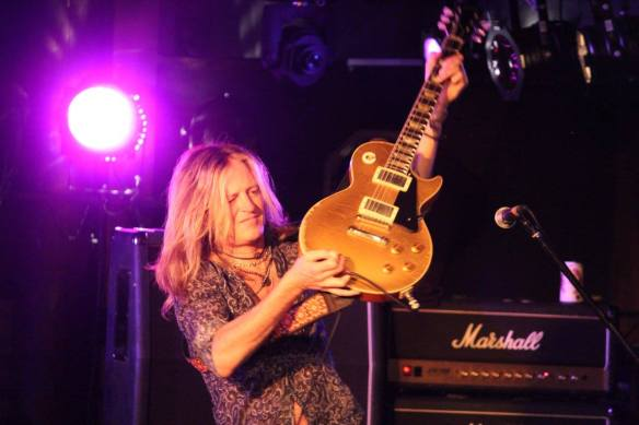 Doug Aldrich and his guitar. Photo: Stefan Nilsson