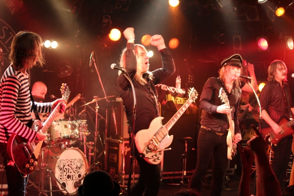 Imperial State Electric and The Datsuns onstage together in Tokyo. Photo: Stefan Nilsson