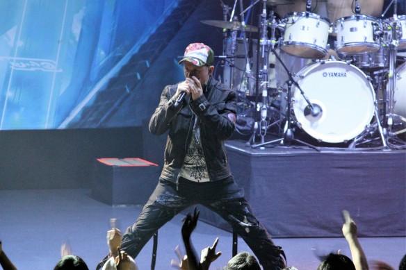 Jake E on stage in Tokyo. Photo: Stefan Nilsson