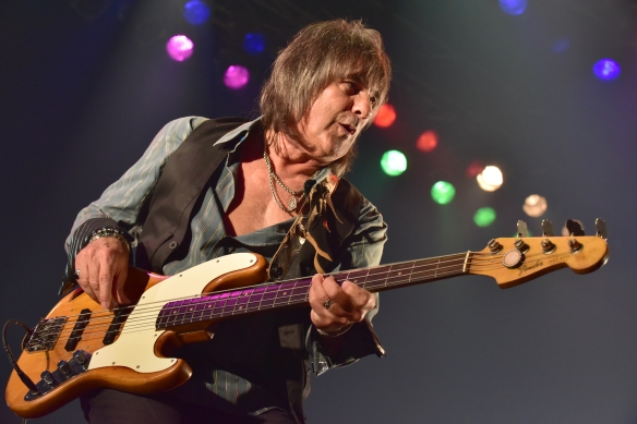 Gary Shea of New England on stage at Club Citta. Photo: Yuki Kuroyanagi