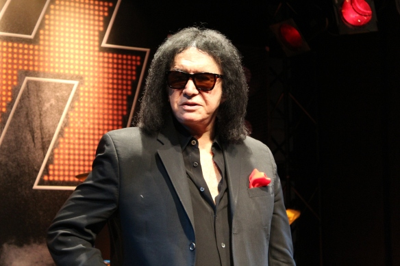 Gene Simmons posing for Roppongi Rocks at the KISS Expo in Tokyo, Photo: Stefan Nilsson